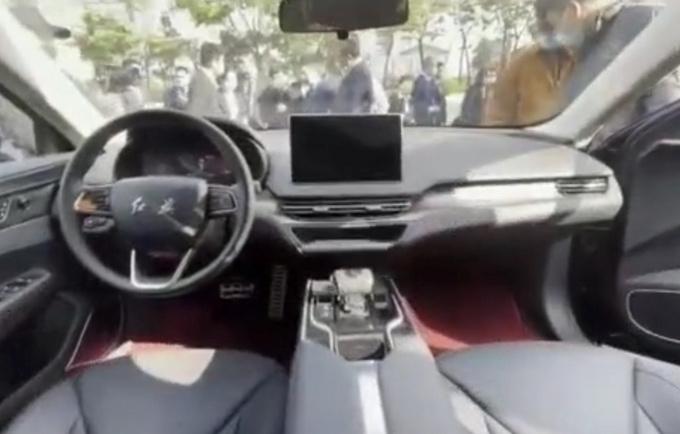 红旗全新纯电动轿车曝光采用比亚迪刀片电池-图4