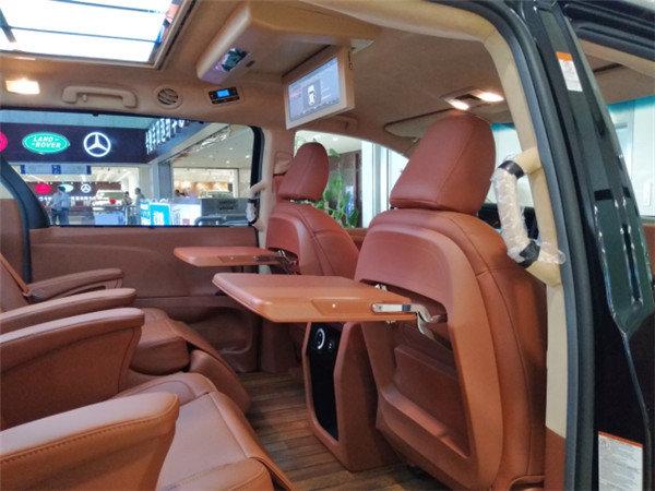 改装 内舱豪华升级仅52万  2018款丰田塞纳车舱宽阔,安静,座椅全部