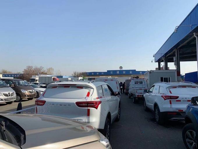 北京严查封闭货3000元货车变乘用车的时代不再-图1