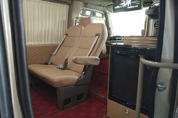 18丰田考斯特降价促销 豪华客舱全新改装-图11