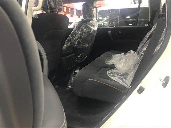 丰田威驰反光镜调节电路图