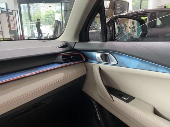 领克06到店 预售12.06万/领克家族最便宜的车来了-图8