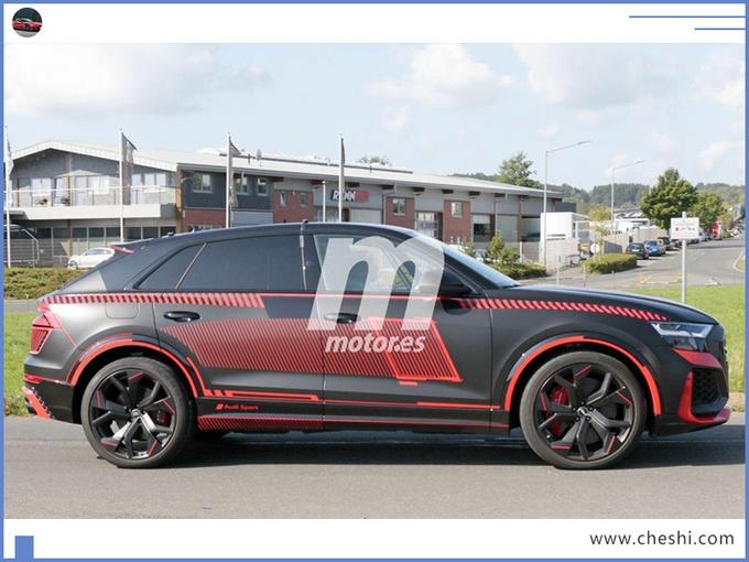 奥迪Q8 轿跑SUV高性能版 搭保时捷引擎11月亮相-图4