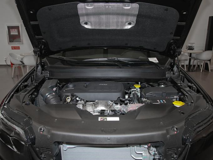 Jeep自由光至高优惠4万元 店内现车销售-图3
