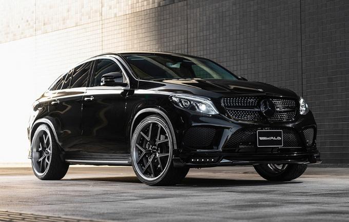 奔驰GLE  Coupe新车型全黑车身/外观套件更运动-图1