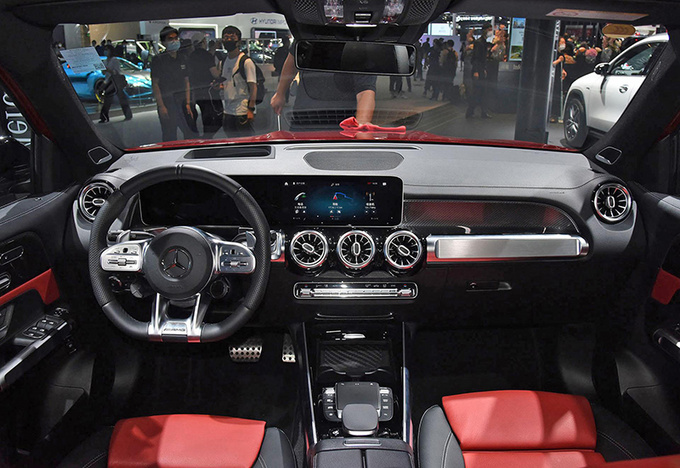 BBA均有新车 北京车展6款热门豪华性能车盘点-图11