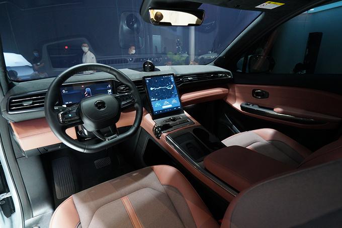 2020成都车展不容错过的3款豪华纯电新车-图9