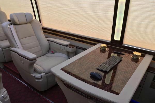 18丰田考斯特降价促销 豪华客舱全新改装-图5