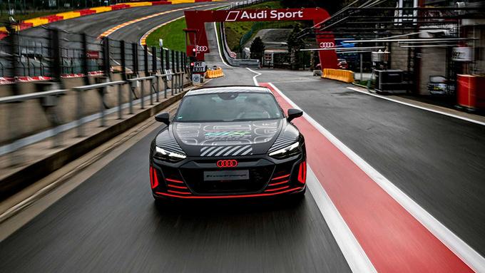 奥迪RS e-tron GT原型车官图 搭3电机/3秒内破百-图2