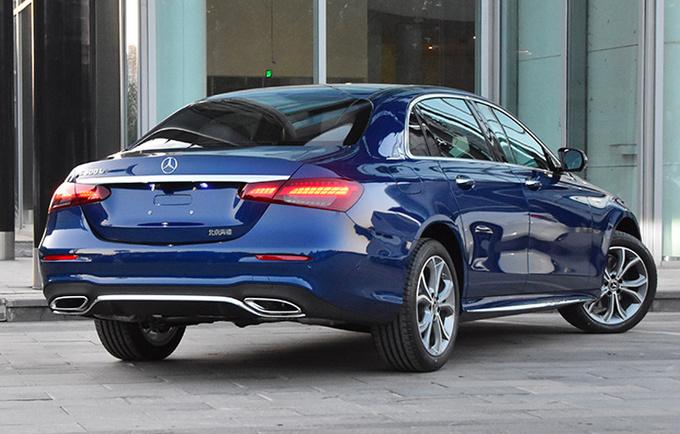 奔驰新款E级正式上市 XX.XX万元起售 外观更运动-图2