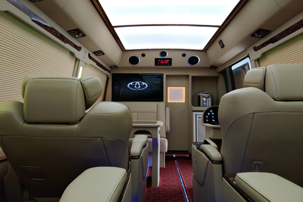 18丰田考斯特降价促销 豪华客舱全新改装-图15