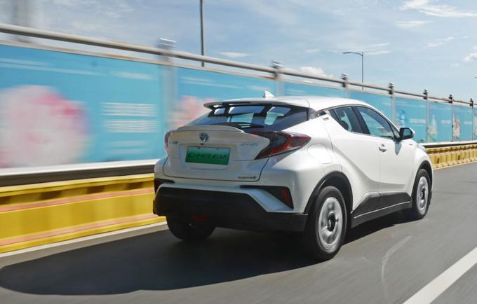 论纯电SUV的驾控表现 广汽丰田C-HR EV值得拥有-图3