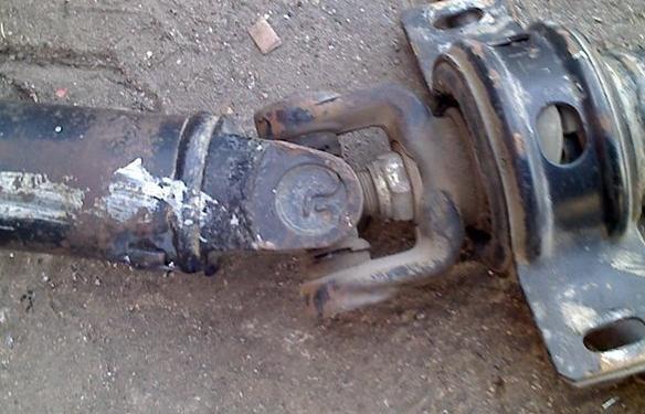 >> 文章内容 >> 传动轴拆装  求汽车十字轴拆卸过程问:求十字轴拆卸
