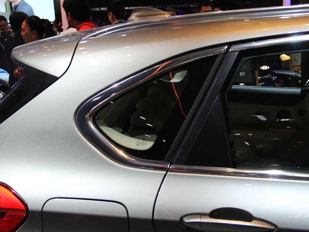 网上车市 图片 车展实拍 2014北京车展 宝马218i  速度 3秒5秒8秒提示