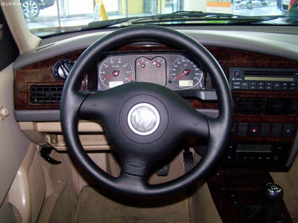桑塔纳 2006款 旅行车 1.8 手动豪华型内饰中控图片(9