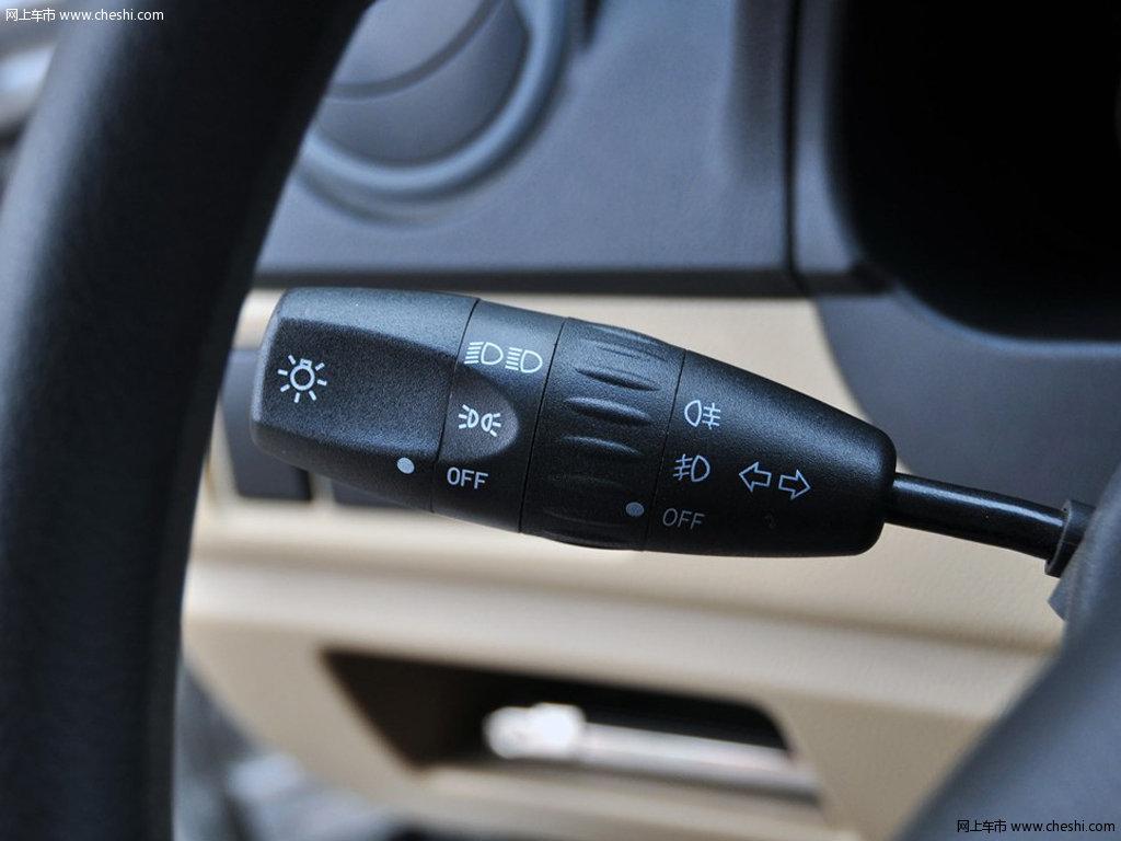 东风小康c37 2012款 1.4l 手动舒适型中控方向盘高清