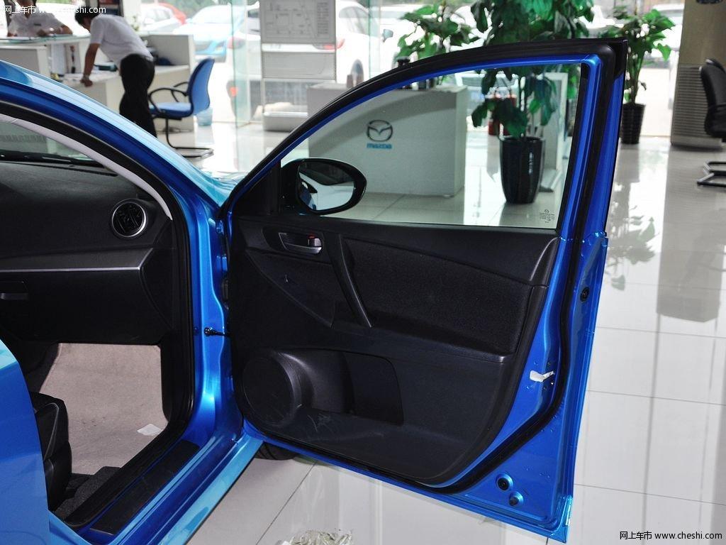 晴空蓝马自达3星骋 2013款 两厢 1.6 自动精英型车厢座椅高清图片 12 高清图片