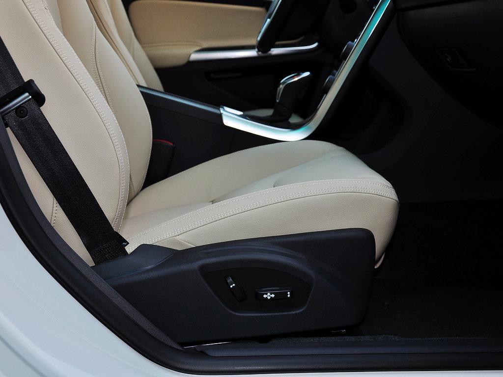沃尔沃s60l车厢座椅高清图片(339/455)