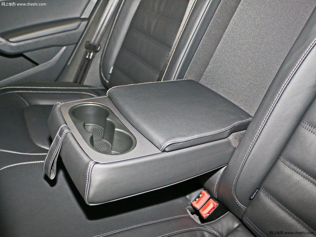 汽车图片 大众 帕萨特 2017款 330tsi dsg尊荣版  座椅空间 (141/158)