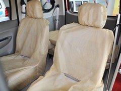 上汽通用五菱  1.2L 手动 第二排座椅45度视角