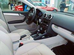 奥迪(进口)  A3 Sportback 1.4T 中控台右侧