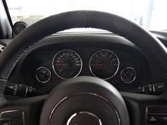 Jeep  3.6L 方向盘后方仪表盘