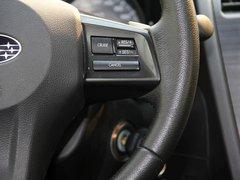 斯巴鲁  2.0 CVT 方向盘右侧