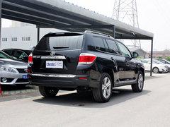 广汽丰田  汉兰达 3.5L AT 车辆右侧尾部视角