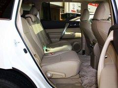 广汽丰田  汉兰达 3.5L AT 第二排座椅正视图