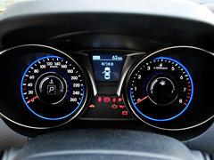 现代(进口)  2.0T 自动 方向盘后方仪表盘