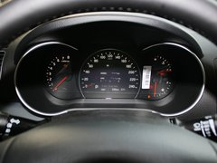 起亚(进口)  索兰托 2.4L AT 方向盘后方仪表盘