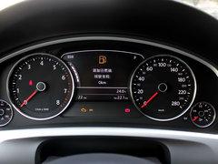 大众(进口)  V6 3.0TSI 自动 方向盘后方仪表盘