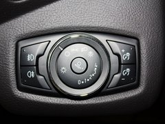 长安福特  1.6T 自动 方向盘左后仪表台