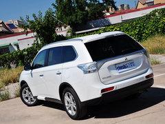 欧蓝德(进口) 2014款 2.4L CVT 四驱豪华超值版 5座