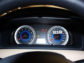 一汽丰田  1.6L 自动 方向盘后方仪表盘