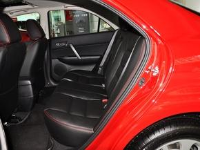 一汽马自达  2.0L 自动 第二排座椅正视图