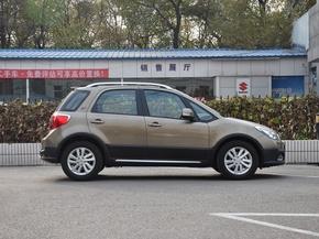 长安铃木  酷锐版 1.6L 手动 车辆正右侧