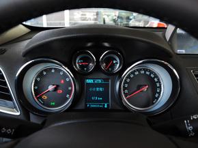 别克  1.4T 自动 方向盘后方仪表盘