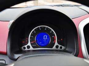 长安乘用车  1.4L 手动 方向盘后方仪表盘