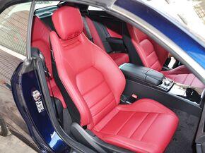 奔驰(进口)  E260 副驾驶席座椅45度特写