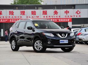 东风日产  2.5L XL CVT 车辆右侧45度角