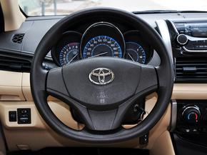 一汽丰田  1.5L 自动 方向盘整体