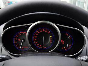 一汽马自达  2.5L 自动 方向盘后方仪表盘