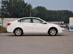东南汽车  1.5L 手动 车辆正右侧