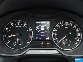 斯柯达  280TSI DSG 方向盘后方仪表盘