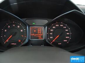 奇瑞汽车  1.5L 手动 方向盘后方仪表盘