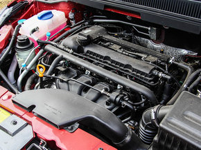 奇瑞汽车  1.5T 车辆发动机舱整体