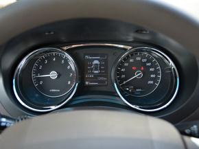 上汽通用五菱  1.5L 仪表盘