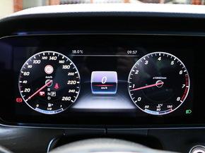 北京奔驰  E 仪表盘