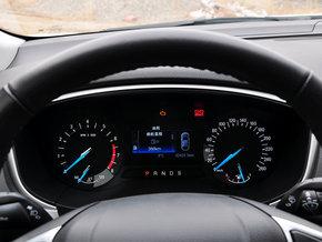 长安福特 1.5t 方向盘后方仪表盘高清图片